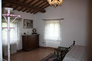 B&B-pozzo-vivalpa-ancona-jesi-serra-de-conti-campagna-relax-camera-ospiti-giardino-guestroom-garden